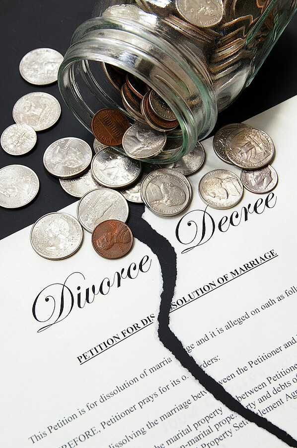 bigstock-Divorce-settlement-22171715