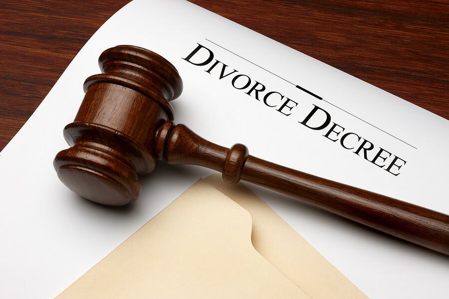 bigstock_Divorce_Decree_6152375