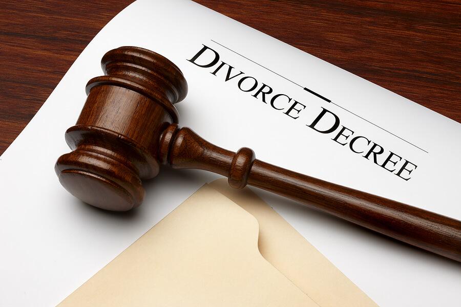 bigstock_Divorce_Decree_6152375